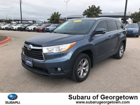 Pre-Owned 2014 Toyota Highlander XLE V6 Front-wheel Drive SUV